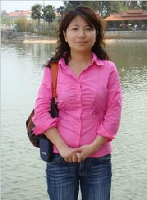 经济学院教学副院长、经济系系主任  陈敏  副教授